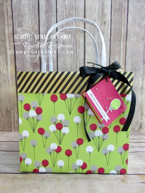 Click here to watch a how-to video and see this fun collapsible gift bag & tag I created with the June 2018 Broadway Star Paper Pumpkin kit in A Paper Pumpkin Thing Blog Hop! Have fun on the hop!…#apaperpumpkinthing #stampyourartout #stampinup - Stampin' Up!® - Stamp Your Art Out! www.stampyourartout.com